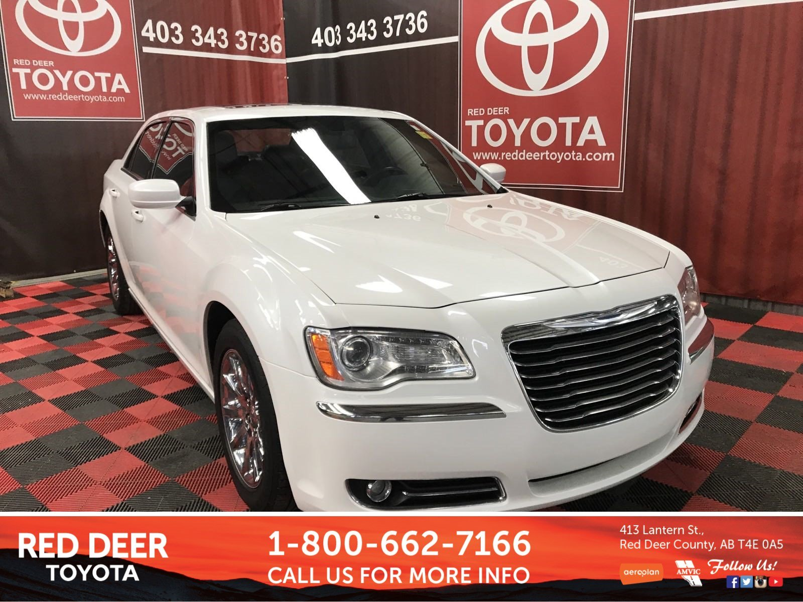 Pre-Owned 2013 Chrysler 300 Touring RWD 4dr Car