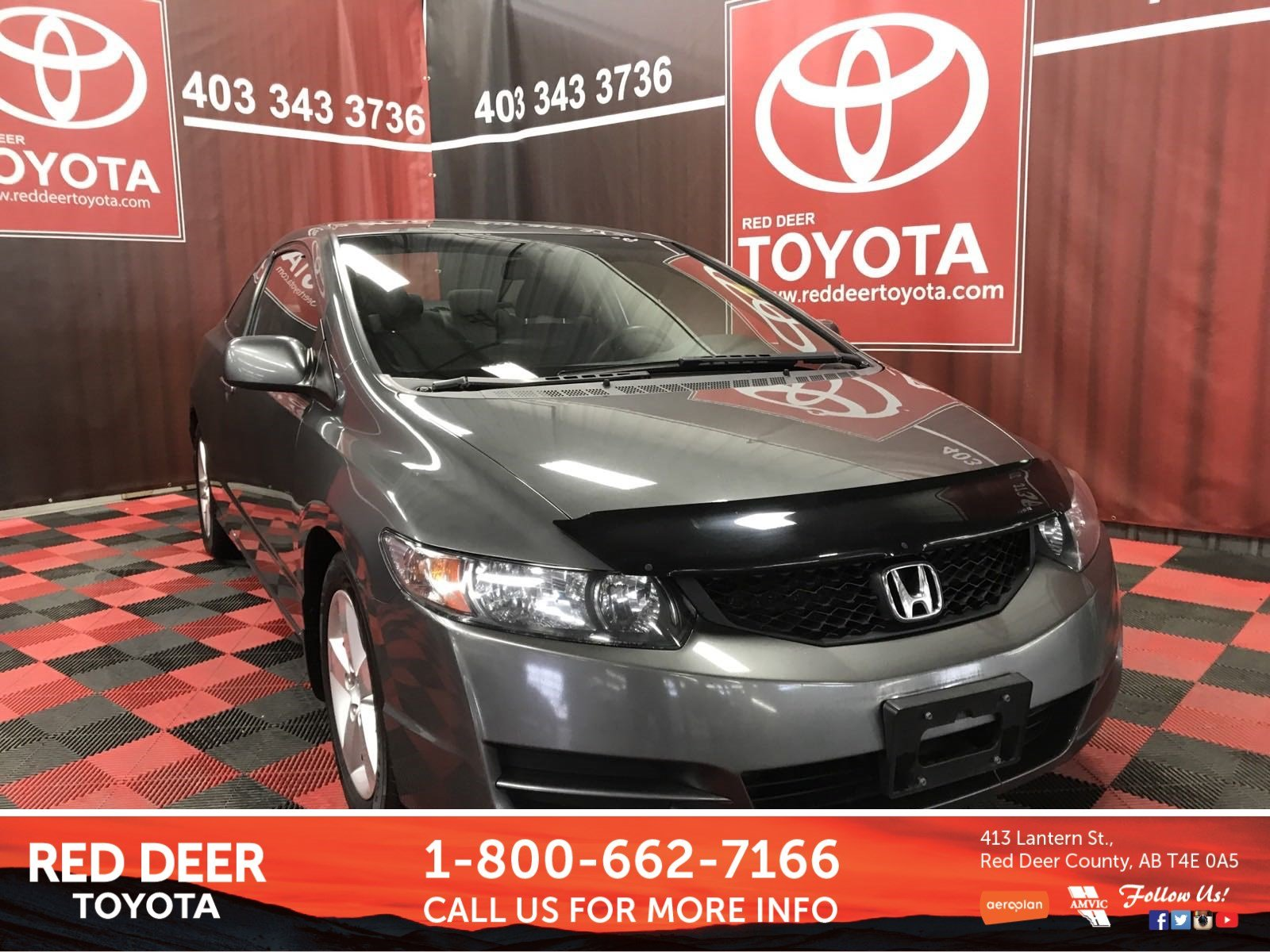 Pre-Owned 2011 Honda Civic Cpe SE FWD 2dr Car