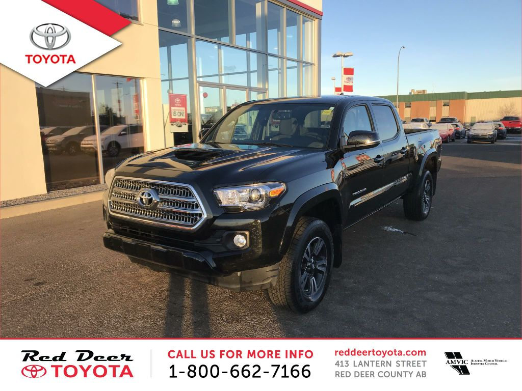 Pre-Owned 2017 Toyota Tacoma TRD Sport Double Cab 6' Bed V6 4x4 AT
