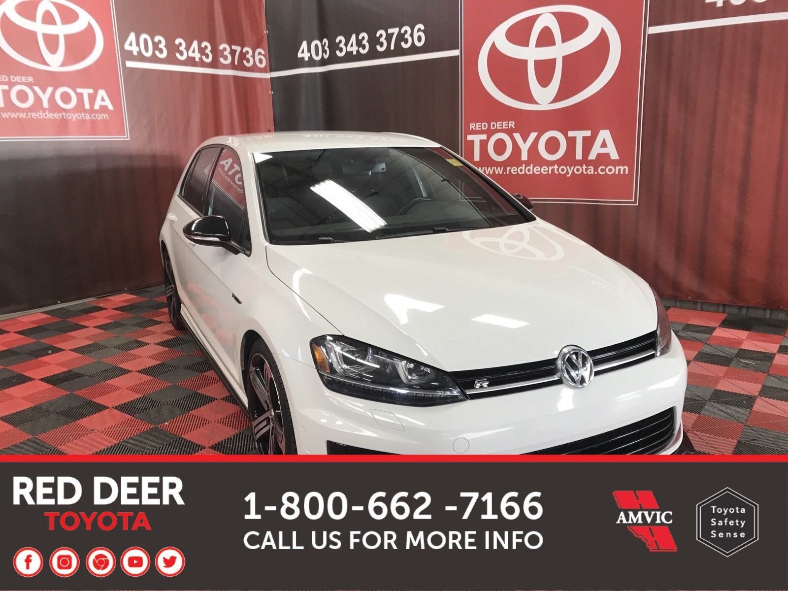 Pre-Owned 2016 Volkswagen Golf R AWD
